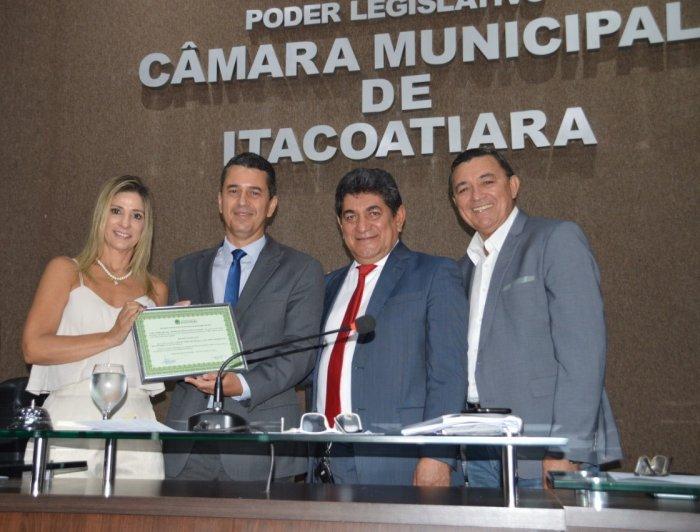 Muni Lourenço é homenageado na Câmara Municipal de Itacoatiara e recebe título de cidadão itacoatiarense