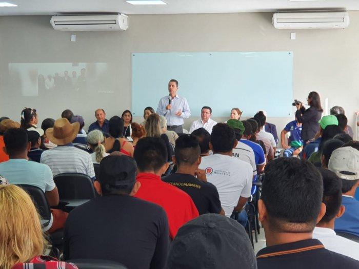 Presidente da FAEA, Muni Lourenço, participa de reunião com produtores rurais em Itacoatiara